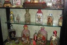 Старинные бутыли для миро от мощей святителя Николая