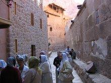 Монастырь у подножья горы Синай в котором находится Купина