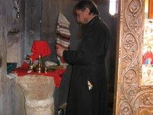 Жертвенник в алтаре Храма Святой Троицы на святой горе Синай.