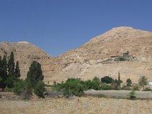 Иерихон. Гора Искушения где, Господь Иисус Христос постился сорок дней, искушаемый дьяволом