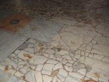 Кровь христианских мучеников на полу храма Вознесенского монастыря. Елеонская гора.