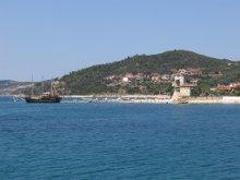 Порт в Урануполи на границе со святой горой Афон