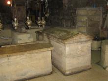 Все были уверены, что мощи были утрачены. В 1972 году, при реконструкции храма Лазаря обнаружили белого мрамора ковчег с мощами. На крышке была надпись о том, что внутри святые мощи Лазаря Киттийского.