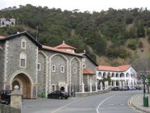 Киккский монастырь, в котором находится чудотворная икона Пресвятой Богородицы (Киккская).