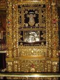 В 1669 году Патриарх Александрийский Герасим осмелился приподнять покров, чтобы увидеть лик Божией Матери, но был наказан — Патриарх неожиданно ослеп. Он сокрушался и плакал, испрашивая прощение, которое было даровано ему Милостивой Владычицей.